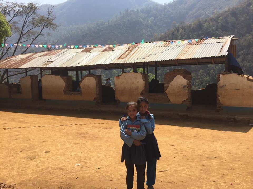 2 schools in Nuwakot receive books !